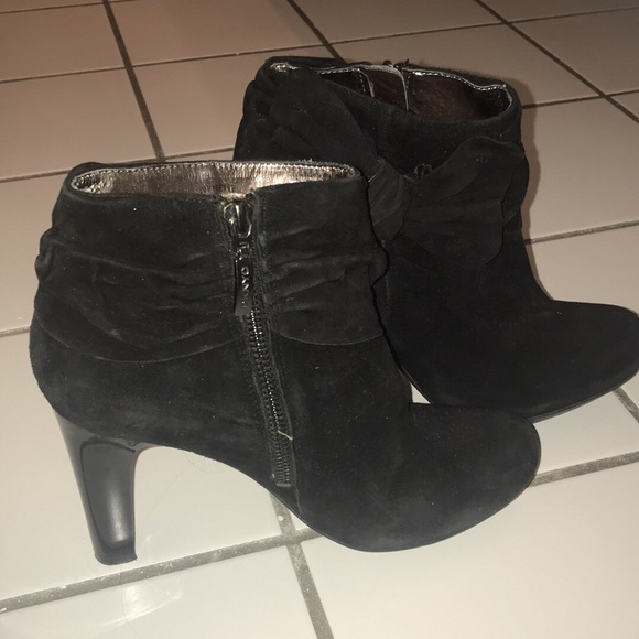 Dkny Shoes - Women's Black Booties